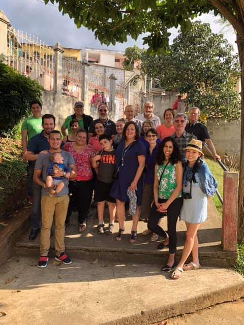 The group of Canadian and some Guatemalan volunteers